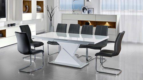 Раздвижной обеденный стол в гостиную