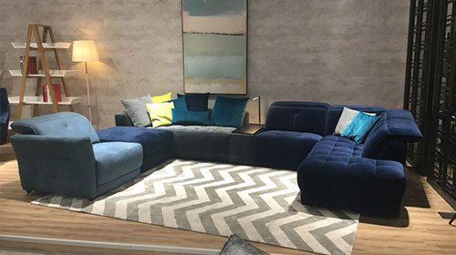 ספה בעיצוב אלגנטי ומפואר