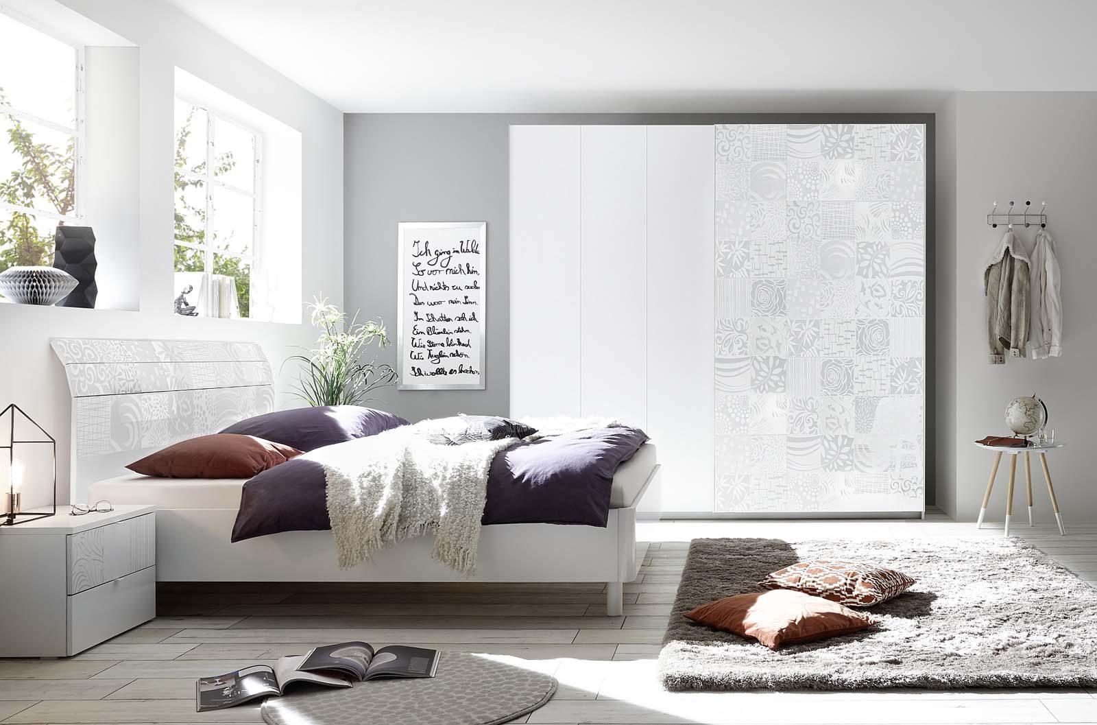 חדר שינה בצבע לבן белая спальня