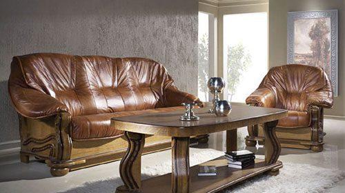 кожаный диван в классическом стиле