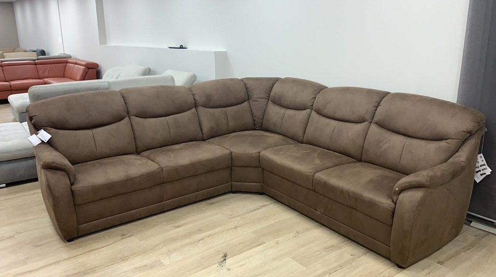 ספה פינתית בעיצוב קלאסי