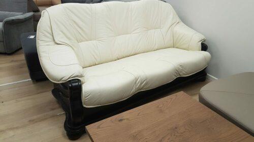 ספת עור דו-מושבי עם מיטה