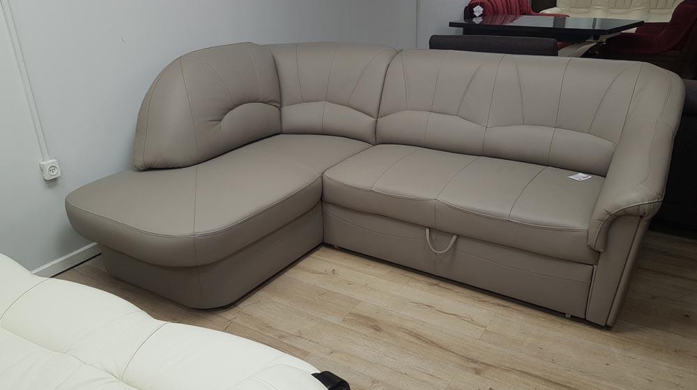 ספה מעור עם מיטה