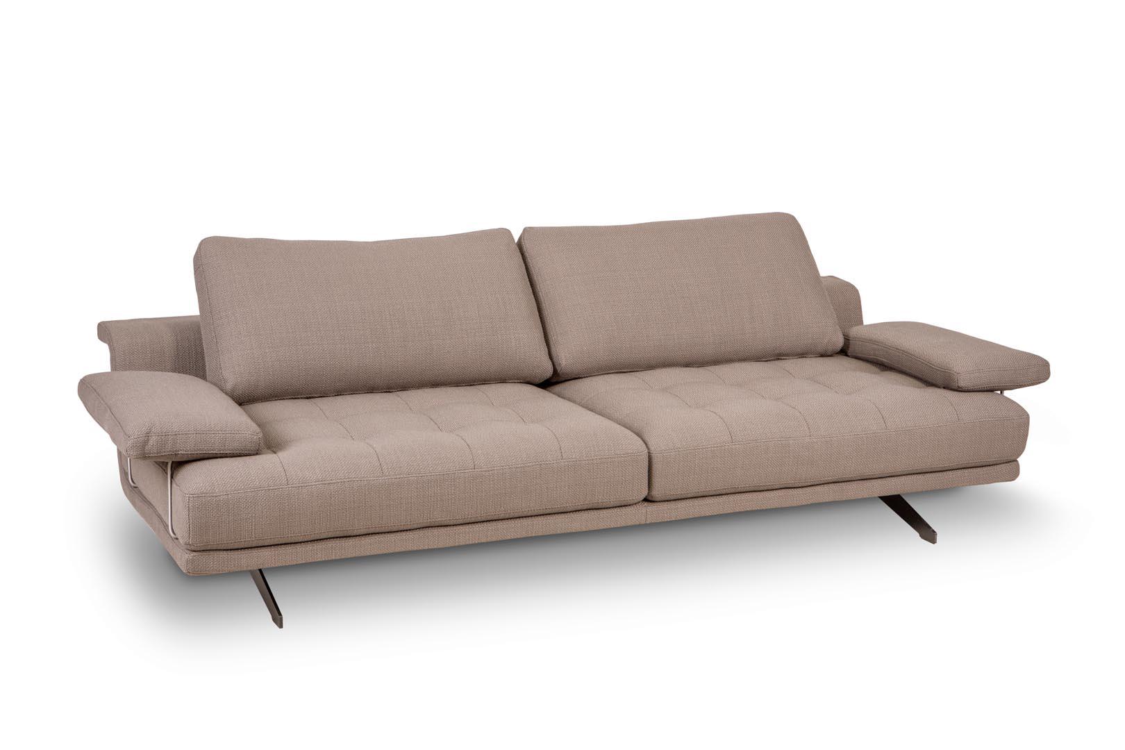 ספה תלת מושבי